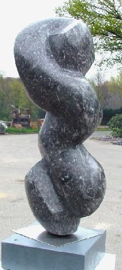 Ursprünglich<br /> 2007<br /> Lahn Marmor<br /> Höhe: 72 cm