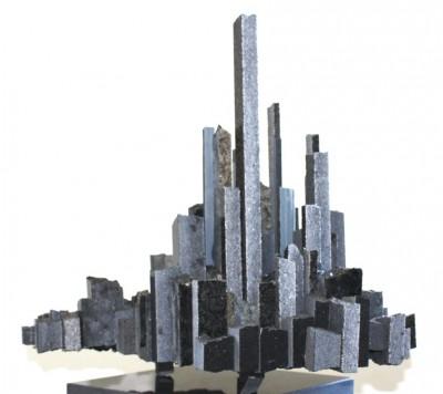 Wolkenstadt<br /> 2014<br /> Granit<br /> Höhe: 35 cm