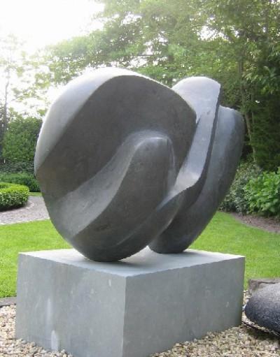 Elementar<br /> 2008<br /> Anröchter Sandstein<br /> Höhe: 120 cm