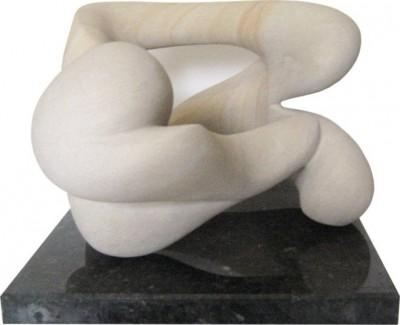 Schwingungen<br /> 2011<br /> Baumberger Sandstein<br /> Höhe: 32 cm