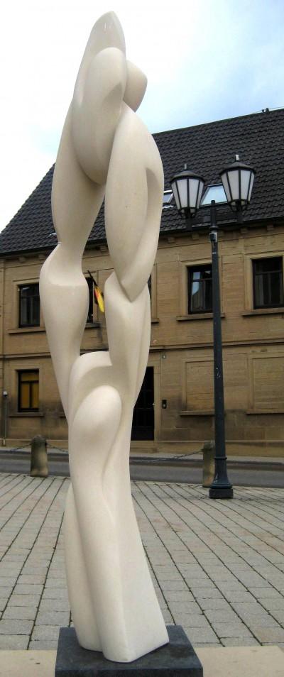 Leben<br /> 2011<br /> Baumberger Sandstein<br /> Höhe: 172 cm